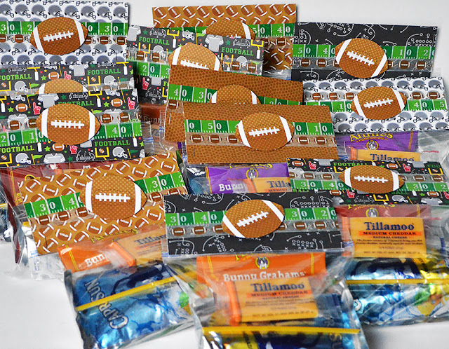 Touchdown! Flag Football Team Treats {and a bonus coach card}!